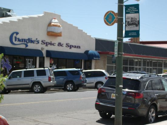Charlie S Spic And Span Bakery Cafe