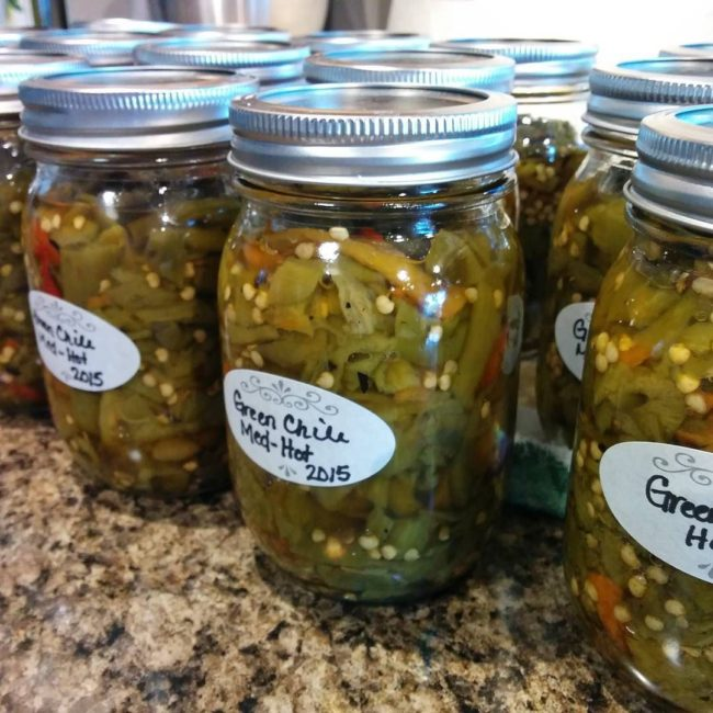 Canning New Mexico Green Chile / Photo by ig @jogswithneedles